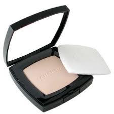 Компактная пудра с естественным эффектом Poudre Universelle Compacte от Chanel (1)