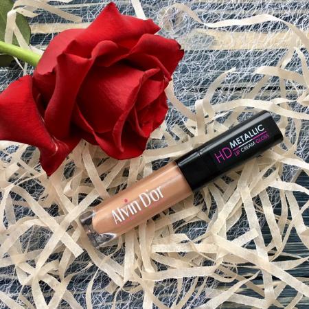 Блеск для губ HD Metallic Lip Cream (оттенок № 01) от Alvin D'or