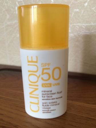 Минеральный солнцезащитный флюид для лица SPF50 от Clinique