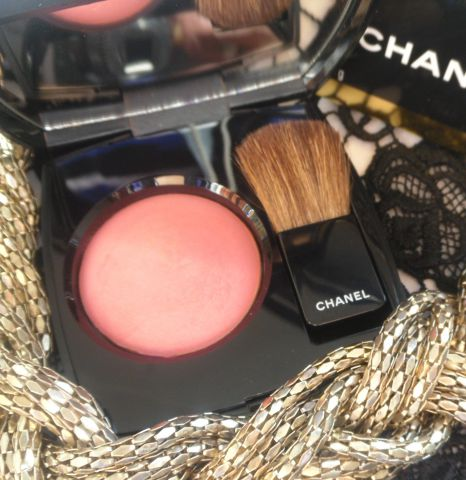 Румяна Joues Contraste Powder Blush (оттенок № 72 Rose Initiale) от Chanel фото 1