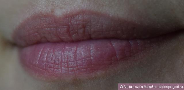 Блеск для губ в стике Patentpolish Lip Pencil (оттенок Go For Girlie) от MAC фото 5