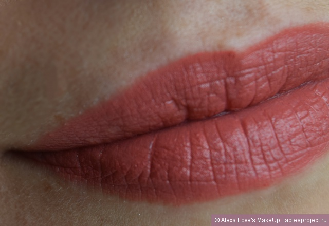 Матовая губная помада Matte Lipstick (оттенок MLS 22 Strawberry Daiquiri) от NYX фото 5