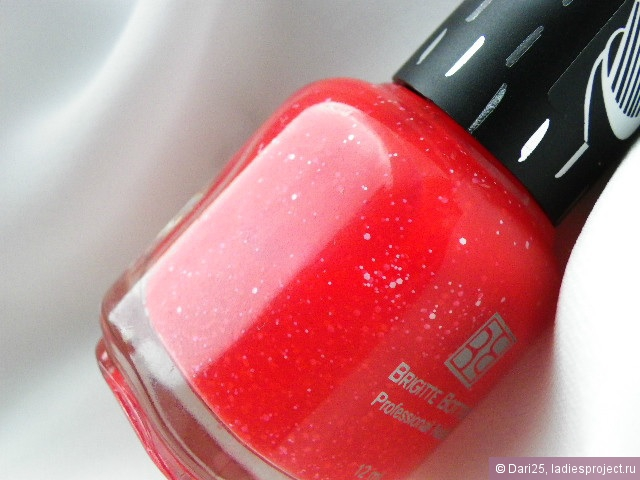 Лаки для ногтей Professional Nails коллекция Salt & Pepper (оттенки № SP504 и SP506) от Brigitte Bottier фото 2