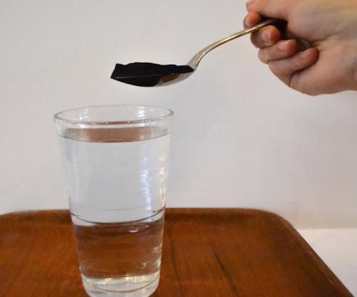 Маска на основе воды и активированного угля