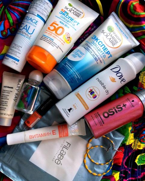 Какую косметику взять в отпуск: 15 проверенных продуктов изоражения