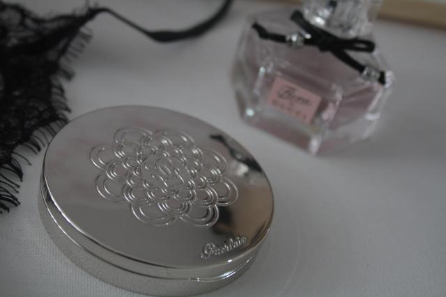 Компактная пудра METEORITES COMPACT (оттенок № 3 Medium) от Guerlain фото 1