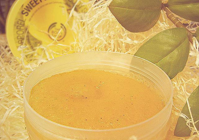 Скраб для тела «Sweet Lemon Body Scrub» от The Body Shop фото 3