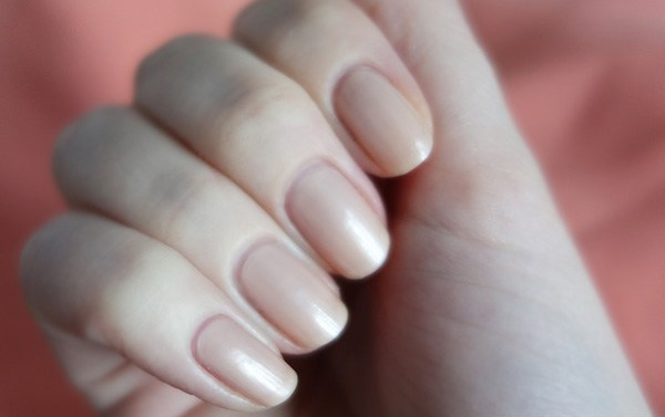 Натуральный лак для ногтей