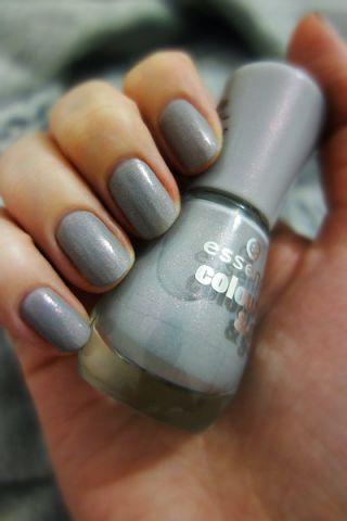 Лак для ногтей Color&Go (оттенок № 142 Grey-t to be here) от Essence фото 3