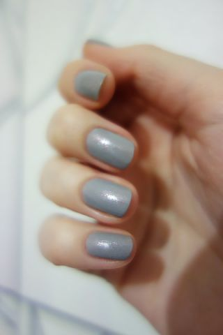Лак для ногтей Color&Go (оттенок № 142 Grey-t to be here) от Essence фото 5