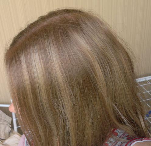 Через можно повторно мелировать волосы