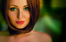 Подходящий цвет волос для зелёных глаз