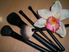 Кисти для макияжа от Oriflame