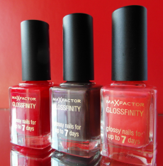 Лак для ногтей Glossfinity (оттенок № 75 flushed rose, № 110 red passion, № 145 noisette) от Max Factor