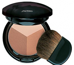 Компактная бронзирующая пудра  The Make Up Luminizing  Color Powder от Shiseido