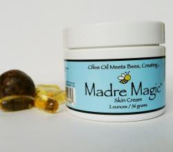 Многоцелевой крем для кожи с медом манука от Madre Magic