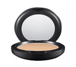 Комактная пудра Studio Careblend/Pressed Powder (оттенок Light) от M.A.C