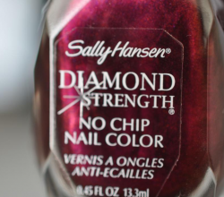 Лак для ногтей Diamond strength Nail Color (оттенок № 460 Save the Date) от Sally Hansen