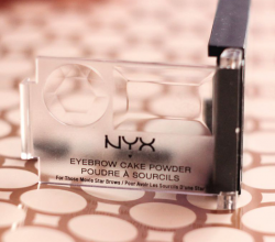 Пудра для бровей Eyebrow Cake Powder (оттенок Taupe/Ash) от NYX