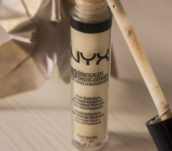 Консилер HD High Definition Concealer (оттенок CW04 Beige) от NYX