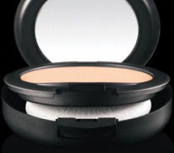 Крем-пудра Studio Fix Powder Plus Foundation от MAC
