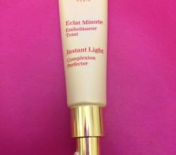 Средство для улучшения цвета лица Instant Light Complexion Perfector (оттенок № 00 Rose shimmer) от Clarins