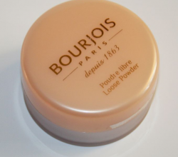 Рассыпчатая пудра Loose Powder (оттенок № 02 Rosy) от Bourjois