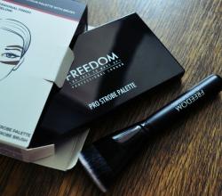 Палетка для контурирования Pro Powder Strobe Palette with Brush от Freedom Makeup