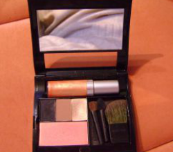 Палетка для макияжа от Mary Kay