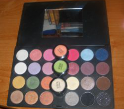 Палитра теней eyeshadow pallette 24 шт. от VOV