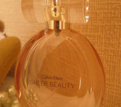 "Туалетная вода ""Sheer Beauty"" от Calvin Klein"