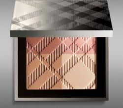 Палетка для лица Sheer Summer Glow Natural Highlighting Compact от Burberry