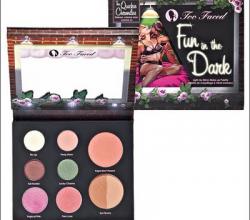 Палетка для макияжа Fun In The Dark Palette от Too Faced