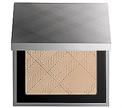 Пудра «Sheer Luminous Compact Foundation» (оттенок Trench No.01) от Burberry