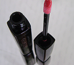 Стойкая лаковая помада «Lip Lacquer» (оттенок № 24) от Artdeco