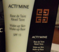 Основа под макияж ActiMine Make Up Base от Givenchy