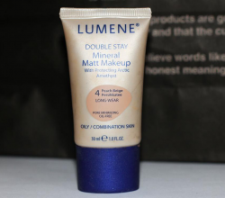 Тональный матирующий крем DOUBLE STAY Mineral Matt Makeup от Lumene