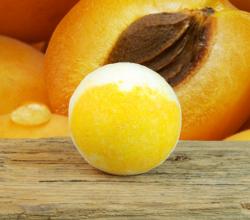 Абрикосовый бурлящий шар для ванны от Stenders
