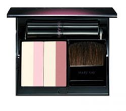 """Минеральная пудра с осветляющим эффектом (оттенок """"Розовое сияние"""") от Mary Kay"""