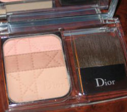 Компактная пудра Nude Natural Glow Sculpting Powder от Dior (1)