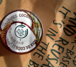 Масло для губ Coconut Lip Butter от The Body Shop