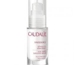 Увлажняющая сыворотка для обезвоженной кожи лица Vinosource S.o.s Thirst Quenching Serum от Caudalie
