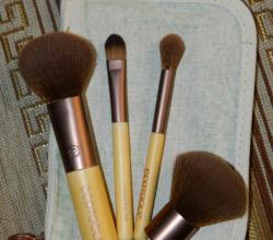 Набор кистей для макияжа от Eco Tools