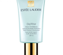 Крем с тоном Day Wear Plus Sheer Tint от Estee Lauder