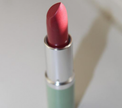 Губная помада High Impact Lip Colour SPF 15 (оттенок № 19 Extreme Pink) от Clinique