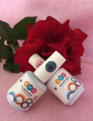 Гель-лак для ногтей Bubble Gum (оттенок № 352 Stassi, № 686 Tilda) от DutyFreeSalon