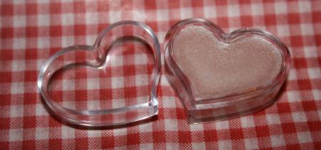 Розовый блеск для губ от Meela Meelo
