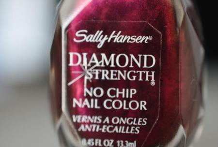 Лак для ногтей Diamond strength Nail Color (оттенок № 460 Save the Date) от Sally Hansen