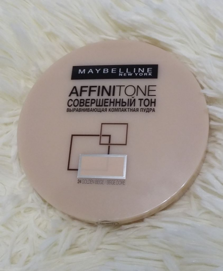 Пудра Affini tone (оттенок № 24 Golden beige) от Maybelline
