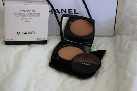 Пудра Les Beiges Healthy Glow Sheer Powder SPF 15/PA++ (оттенок № 40) от Chanel